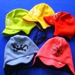 Čepice z pleteniny – zavazovací s kšiltem 2309, cena 220,- Kč